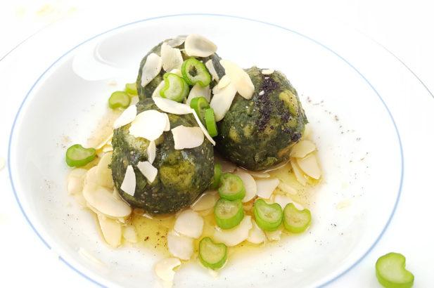 Rezept Spinatknödel mit Chiassame ohne Ei