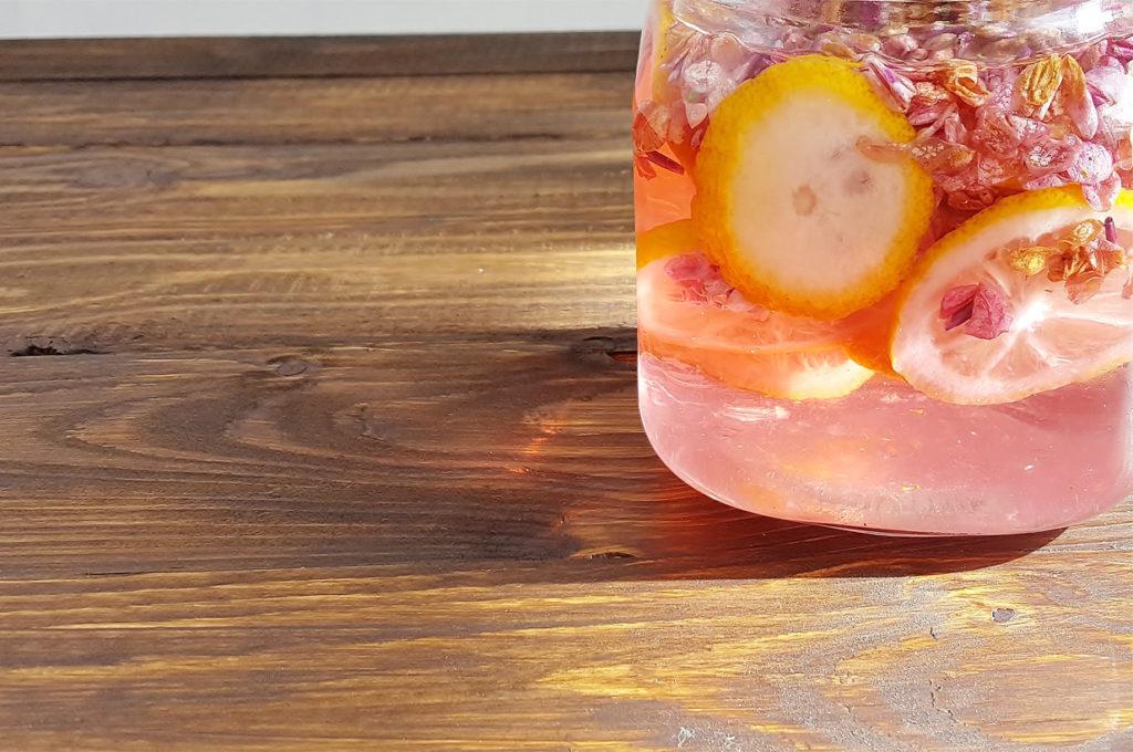 Rezept Fliederblütensirup ohne Zucker, Flieder Einkochen, Sirup für Diabetiker selber machen, Veilchensirup, Sirup zuckerfrei