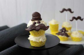 Moustache Muffins, Bartmuffins, Bartcupcakes, Zuckerfreie Muffins, DIY Moustache Cupcakes