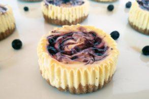 Blaubeermuffins, Käsekuchenmuffins, Heidelbeermufffins, Blueberry Cheesecake, Cheesecakemuffins, zuckerfrei, ohne Zucker, mit Xylit