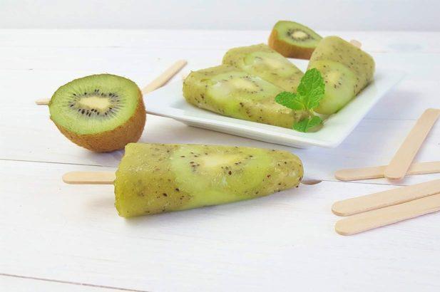 Kiwisorbet, Fruchteis, Fruchtsorbet, zuckerfrei, mit Xylit
