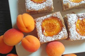 Marillenfleck, Kuchen mit Marille, zuckerfrei, ohne Zucker, Aprikosenkuchen, Kuchen mit Aprikosen, Marillenkuchen mit Öl, einfach, schnell