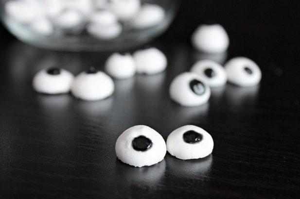 Zuckeraugen selber machen, Pupillen, Essbare Augen, Essaugen, Augen aus Zucker, ohne Zucker, zuckerfrei