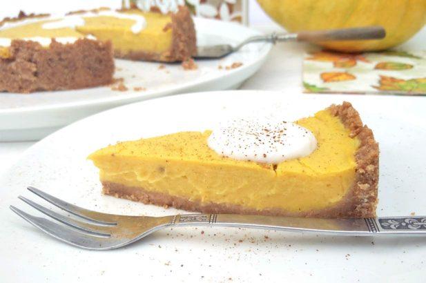 Kürbistorte, Kürbispie, Pumpkin Pie, Pumpkin Cake, Kürbiscreme, zuckerfrei, ohne Zucker