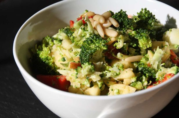 Rohkostsalat, Apfelsalat, Brokkoli, Thermomix, zuckerfrei, ohne Zucker, vegan