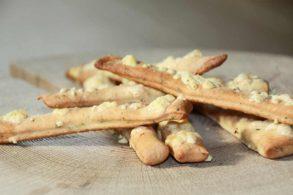 Käsestangerl, Käsegebäck, Käsestangen Hefeteig, ohne Blätterteig, Käsesnack, Snackstangen, Partystangen