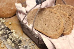 Walnussbrot, Haselnussbrot, Brotrezept, Brot selber backen, Brot selber machen, vegan, Vollkornbrot