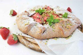 Fruchtgalette, Erdbeergalette, Rhabarbergalette, Erdbeer-Rhabarberkuchen, zuckerfrei, ohne Zucker, vegan