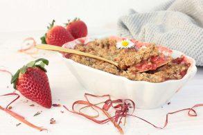 Rhabarberkuchen, Erdbeercrumble, Erdbeerkuchen, Rhabarberküchlein, Frühstückscrumble, zuckerfrei, ohne Zucker, Rhabarberdessert
