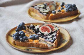 Obsttoast, Magic Toast, Frühstückstoast, Süßer Toast, Früchtebrot, Marmeladetoast, zuckerfrei, ohne Zucker