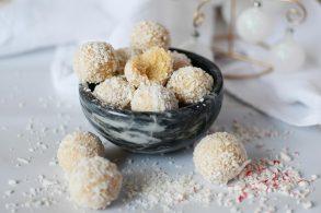 Kokos Kugeln, Kokos Bällchen, gesunde Schneebälle, Raffaelo Kugeln