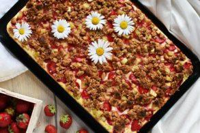Erdbeer Kuchen mit Rhabarber, Erdbeer Rhabarber Kuchen mit Joghurt