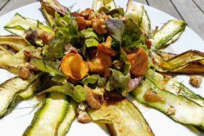 Eierschwammerl auf Zuccini, Salat mit Eierschwammerl, Low Carb Eierschwammerl auf Salat