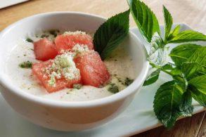Geeiste Wassermelone mit Minzzucker, Wassermelohne on Ice, Wassermelone mit Zimtjoghurt und Minzzucker