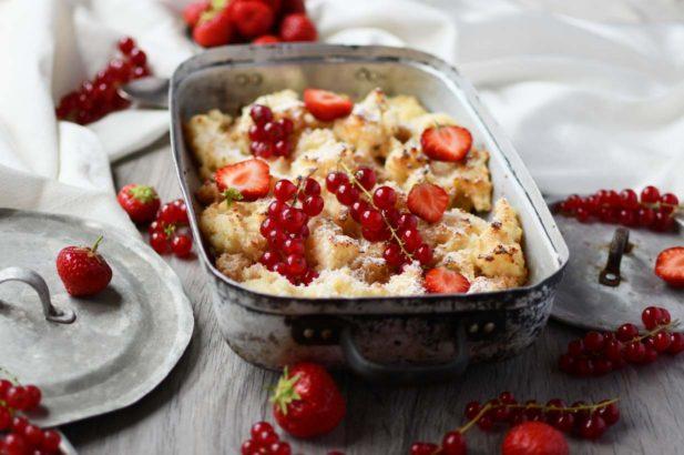 Grießschmarrn ohne Zucker, Gesunder Grießschmarrn ohne Zucker, Grießschmarren mit Birkenzucker, Gesunder Grießschmarren mit Erdbeermarmelade, Grießschmarren mit Erdbeeren und Kirschen