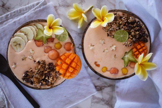 Tropische Bowl zuckerfrei, Mango Bowl zuckerfrei, Papaya Bowl zuckerfrei, Tropische Frühstücksbowl zuckerfrei