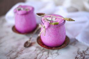 Pinker Smoothie, Drachenfrucht Smoothie, Pink Pitaya Smoothie, gesunder Smoothie, veganer Smoothie, Smoothie Frühstück