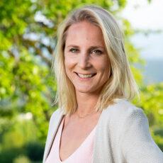 Pia Benedikt - Sales